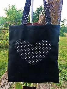 Nákupné tašky - Látková taška so srdiečkom - 10988033_