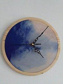 Hodiny - hodiny smrek a modrobiela perleťová živice - 10986400_
