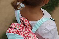 Detské tašky - Detský ruksak - zajko v tulipánoch - 10988298_