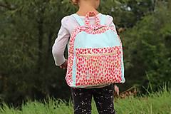 Detské tašky - Detský ruksak - zajko v tulipánoch - 10988299_