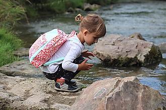 Detské tašky - Detský ruksak - zajko v tulipánoch - 10988300_