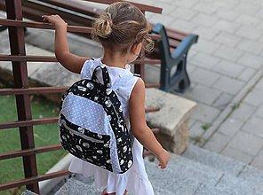 Detské tašky - Detský ruksak - spiace zvieratká - 10990954_