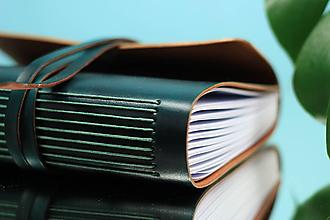Papiernictvo - Kožený zápisník GREEN A5 - 10990634_