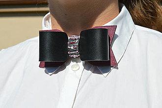 Sady šperkov - Purple koženo-drevený motýlik a náramok - 10990231_