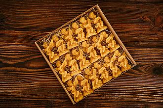 Dekorácie - Vianočné ozdoby zo 100% včelieho vosku v darčekovej krabičke 18ks - 10994134_