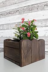 Nádoby - Drevený kvetináč - 10994757_