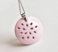 Náhrdelníky - Z růžového porcelánu... - 10993490_