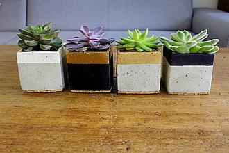 Dekorácie - betónový kvetináč - kocka (Pestrofarebná) - 10994126_