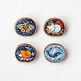 Odznaky/Brošne - Ručně malovaná brož se spící liškou - 10996377_