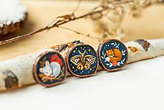 Odznaky/Brošne - Ručně malovaná brož se spící liškou - 10996379_