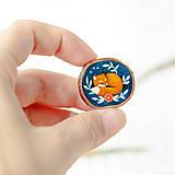 Odznaky/Brošne - Ručně malovaná brož se spící liškou - 10996380_