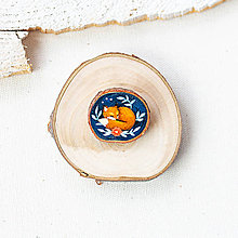 Odznaky/Brošne - Ručně malovaná brož se spící liškou - 10996378_