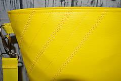 Kabelky - žltá koženková crossbody - 10996691_