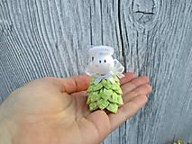 Drobunký roztomilý anjelik ♥️ (limetkovo zelený + biele lístky)