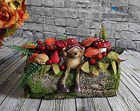 Dekorácie - Jesenný aranžmán s ježkom a ovocím - 10997647_