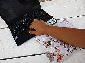 Úžitkový textil - zvieratková špaldovo-pohánková podložka k počítaču - 10996873_