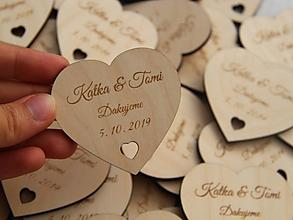 Darčeky pre svadobčanov - Výrezy/magnetky pre svadobčanov srdiečko - 10999426_