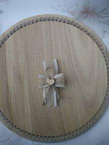 Pierka - vintage pierko z jutoviny s dreveným srdiečkom pre rodičov, svedkov - 11000247_