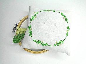 Prstene - Vyšívaný svadobný vankúšik pod obrúčky: Veniec olivový - 10999415_