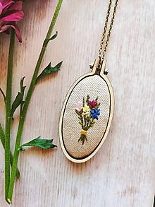 Náhrdelníky - Malé kvetinová kytica - 10999053_