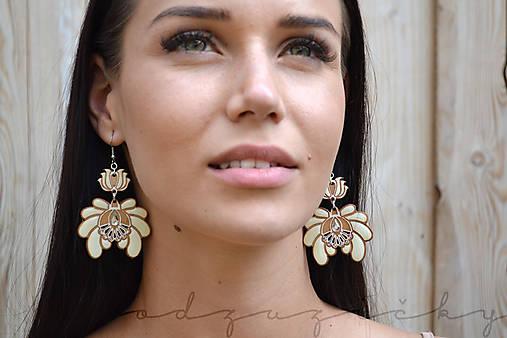 Náušničky Marienka  (Biela)