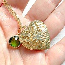 Náhrdelníky - Heart Green Zircone Locket Necklace / Otvárací medailón so zeleným zirkónikom v tvare srdca - 11001589_