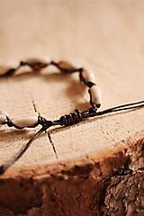 Náramky - Náramok z kauri mušlí - 11002830_