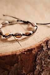 Náramky - Náramok z kauri mušlí - 11002831_