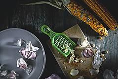Pomôcky - Struhadlo na česnek - olivové - 11004567_
