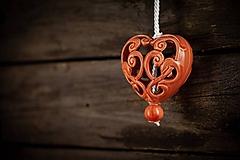 Dekorácie - Vyřezávané srdce korálové - 11005388_