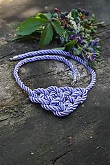 Uzlový náhrdelník fialový