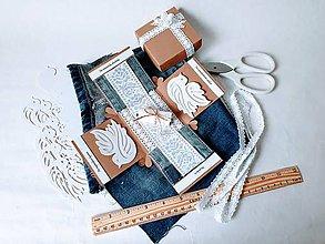 Papiernictvo - Darčeková krabička na peniaze s rifľovými vreckami - 11004330_