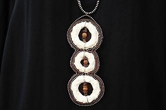 """Náhrdelníky - náhrdelník """"drevo+papier+kov"""" - 11008124_"""