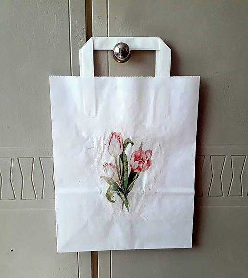 darčeková taška tulipány