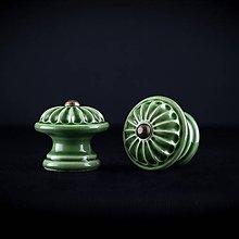 Nábytok - Úchytka - knopka zelená střední - vzor KOPRETINA - 11006984_