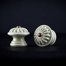 Nábytok - Úchytka - knopka šedá střední - vzor KOPRETINA - 11007090_