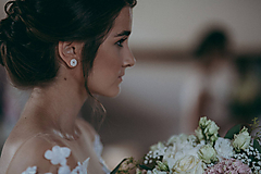 Náušnice - Svadobné napichovačky kvietky s perličkami a krajkou - svadba 2019 - 11008749_