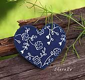 Odznaky/Brošne - Srdiečko Floral indigo - 11008300_
