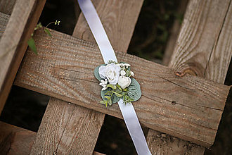 Náramky - Kvetinový náramok pre družičky - 11009884_