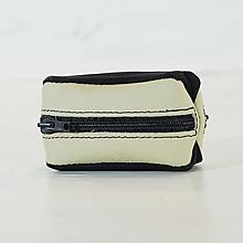 Iné tašky - Kožená kľúčenka - obojstranná - čierna a smotanová - 11010735_