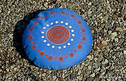 Úžitkový textil - Maľovaný ručne šitý meditačný vankúš ALAKNANDA - 11010815_