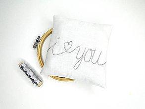 Prstene - Svadobný vankúšik pod obrúčky (I ♥ you) - 11010542_