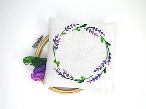 Prstene - Svadobný vankúšik pod obrúčky (Veniec levanduľový) - 11010613_