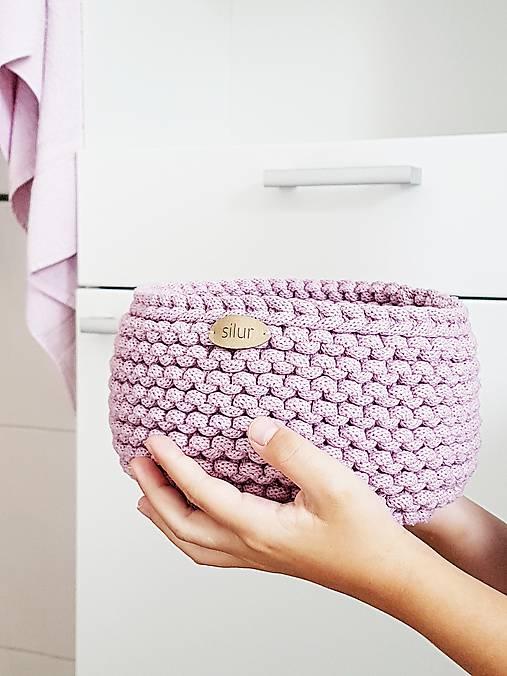 Pletený košík - ružový II