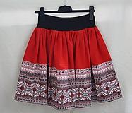 Sukne. Folklórna suknička