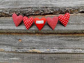 Darčeky pre svadobčanov - Poďakovanie rodičom - svadobná girlanda zo srdiečok - 11011512_