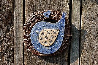 Dekorácie - Vtáčik vo venčeku č. 105 - 11010814_