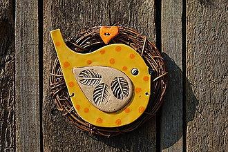 Dekorácie - Vtáčik vo venčeku č. 106 - 11010816_