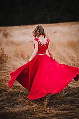 Šaty - Červené šaty s výšivkou - 11012354_