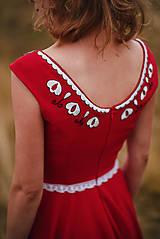 Šaty - Červené šaty s výšivkou - 11012363_